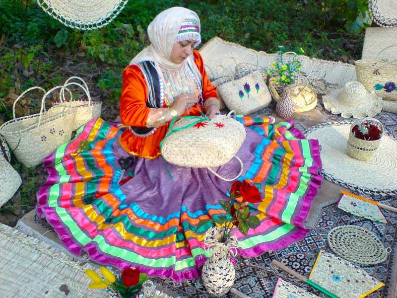 ایجاد دهکده های صنایع دستی در گیلان